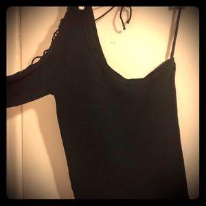 Light one 3/4 inch sleeve sweater